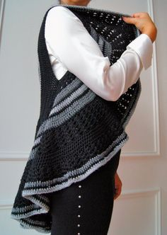 Guarda questo articolo nel mio negozio Etsy https://www.etsy.com/it/listing/466193720/cardigan-crochet-cardigan-gilet-ad
