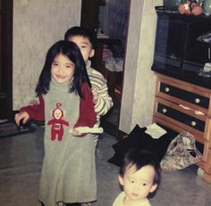 IU is an A-class celebrity and Korea's adorable little sister all rolled into one. Resurfaced photos show that she was cute even as a child! Korean Celebrities, Celebs, Divas, Royal Photography, Childhood Photos, My Little Baby, Korean Actresses, K Idols, Korean Singer