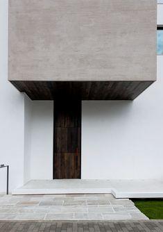 専門家:株式会社ウィズ・ワンが手掛けた、玄関(自然素材の家 オークラモデル)の詳細ページ。新築戸建、リフォーム、リノベーションの事例多数、SUVACO(スバコ)