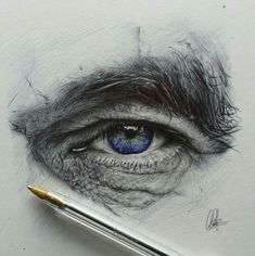 Pencil Portrait Mastery - Chris Herrera - I think eye drawings are a little cliché, but doesnt change the fact that they can be damn awesome - Discover The Secrets Of Drawing Realistic Pencil Portraits Eye Pencil Drawing, Realistic Pencil Drawings, Art Drawings, Drawing Eyes, Ballpoint Pen Drawing, Human Drawing, Drawing Of An Eye, Drawings Of Men, Realistic Eye Sketch