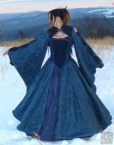 28. #Fancy Free - 41 Incredible Ren #Faire Costumes ... → #Fashion #Costumes