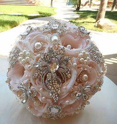 BROCHE rosa luz ramo Blush y plata broche nupcial ramo, rosa ramo Jeweled pálido, pétalo broche ramo, Blush rosa