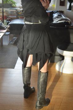 Metro Bulot Dodo -  Ann Demeulemeester Draped Black Skirt, Volume is adjusted through a series of buttons that can be closed at the waist band. The view from the back is surely my favorite. MBD