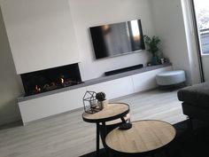 22 plus beaux modèles du salon moderne pour 2017 Living Room Decor Fireplace, Home Fireplace, Fireplace Remodel, Modern Fireplace, Fireplace Design, Home Living Room, Living Room Designs, Muebles Living, Long Walls