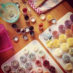 #ollicake #buttercream #flowercake
