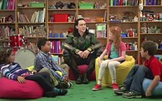 'Thor: The Dark World' comedy exclusive: Loki argues with kids — VIDEO | EW.com I seriously laughed out loud. This is so funny!