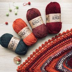 Do you have a favourite DROPS yarn for colour combinations Let us know in the comments! by stukspitz_studioSee all the colours in DROPS Alpaca by clicking the link in bio! Knitting Stitches, Knitting Patterns Free, Free Knitting, Free Crochet, Crochet Patterns, Drops Design, Baby Bootees, Drops Baby, Knitted Hats