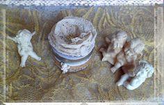 Bougie parfumée à la lavande décorée façon shabby chic : Luminaires par crealicelie