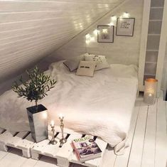 Popular Bedroom Design Ideas In The Attic 46 Loft Room, Bedroom Loft, Dream Bedroom, Bedroom Decor, Bedroom Rustic, Master Bedroom, Extra Bedroom, Attic Bedroom Designs, Attic Bedrooms