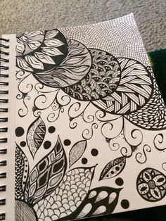 Ideas For Flowers Doodles Zentangle Dibujos Zentangle Art, Zentangle Drawings, Mandala Drawing, Doodles Zentangles, Doodle Drawings, Mandala Art, Doodle Art, Doodle Patterns, Zentangle Patterns