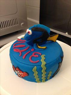 """Gâteau d'anniversaire thème """"le monde de Dory"""""""