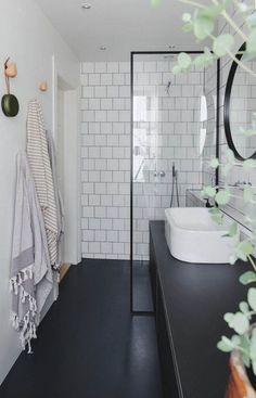"""""""Vi prøver lidt at være på forkant og tænke nyt"""" Scandinavian Interior Design, Bathroom Interior Design, Modern Interior Design, Interior Decorating, Modern Interiors, Industrial Scandinavian, Decorating Ideas, Industrial Decorating, Minimalist Home Interior"""