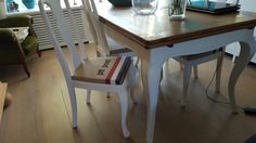 Eehoek bewerkt Annie Sloan En stoel met ptt  stof bekleed