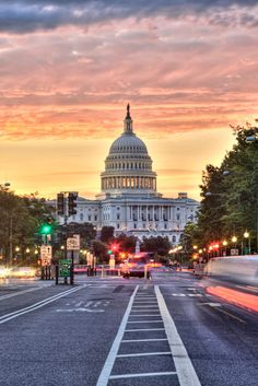 Washington DC: Sunrise on Pennsylvania Ave. http://www.abpan.com/sunrise-on-pennsylvania-ave/