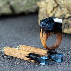 Комплект выполненный из красного дерева и акрила. Кольцо 18 размера. Фурнитура серебро. В наличии. #jewelry #bluering #rings #дерево #подарок #jewellerydesign #woodearrings #etsy #wood #woodrings #fashiondesigner #sogd #серьги #madeinukraine #woodpendant #handmade #кольцо #pendant #jewelryset #earrings #kiev #odessa #lviv #ukrainedesigner #odessagram #instalike #etsystore #lviv #woodearrings #etsyshop #etsysellersofinstagram #etsygifts.