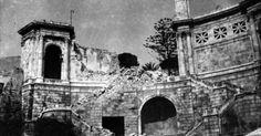 Bastione di S.Remy Cagliari. Nel febbraio del 1943 Cagliari viene devastata da una pioggia di oltre 500 bombe sganciate dagli Anglo-Americani. La città viene rasa al suolo e anche il Bastione è distrutto. - Tradizioni Sardegna - via http://ift.tt/1zKqJ1x
