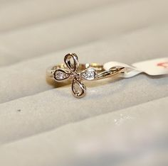 The simple retro Clover hippie wedding Ring #gold #ring http://www.loveitsomuch.com/