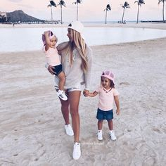 "Jemimah & Leah Lendel on Instagram: ""@fashiongoalsz dressed in @littleedgethreads"" • Instagram"