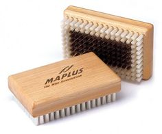Maplus Soft Brass Ski & Snowboard Brush by Maplus. $20.76. Soft Brass has a row of soft nylon bristles around the edges to sweep away wax debris and is to be used as the first brush after scraping (Soft Nylon or Soft Horsehair should follow for final finishing or polishing of bases). For best results do not use the same brush applying paraffin waxes ie. P1 that will be used when applying flouro wax ie. P4 (use one brush for paraffin wax only and another to apply flou...