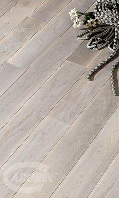 Pavimento in legno - Acero canadese Stella Alpina / Wooden Floors - Canadian Hard Maple - Edelweiss - #CADORIN Produzione italiana di listoni a due e tre strati #CADORIN Italian Top Quality Wooden Engineering Planks