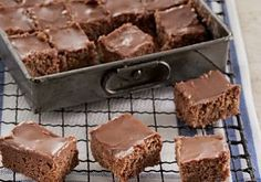 Delicious fudge, with more tasty goodies. Sweet Recipes, Cake Recipes, Dessert Recipes, Healthy Cake, Healthy Sweets, Yummy Treats, Sweet Treats, Yummy Food, Polish Recipes