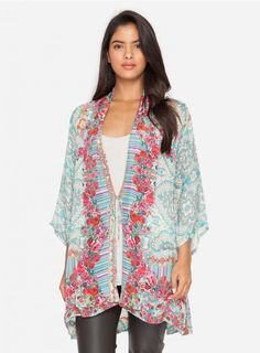 Brock Kimono With inspiration taken from classic chinoiserie design, the Johnny Was BROCK KIMONO is a chic, yet unstructured cover-up. Made of our gorgeous Rayon Georgette, this relaxed fit kimono with our signature patchwork print pairs perfectly with jeans or a maxi dress.   —Rayon Georgette —Tie in Front —3/4 sleeves —Care Instructions: Hand Wash Cold, No Bleach, Tumble Dry Low