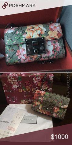 Gucci Handbag floral padlock Floral Gucci handbag. Padlock. Chain handles. Gucci Bags Shoulder Bags
