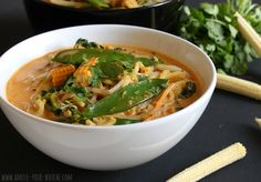 """More curry, more coconut, more seasoning, need to try different noodles than the ones I bought (""""Miracle"""" noodle?"""") Quick red Thai curry noodle soup - Amuse Your Bouche Veggie Recipes, Asian Recipes, Soup Recipes, Whole Food Recipes, Cooking Recipes, Ethnic Recipes, Veggie Meals, Noodle Recipes, Veggie Food"""
