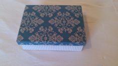CAIXAS ARTESANAIS E OUTROS MIMOS: caixa forrada com tecido listrado bege e arabesco ...
