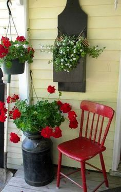 Red Accents against Yellow House home red flowers house yellow decorate porch accent exterior design (summer porch decor reading) Country Porches, Farmhouse Front Porches, Southern Porches, Yellow Houses, House With Porch, Decks And Porches, Red Accents, Red Flowers, Farmhouse Decor