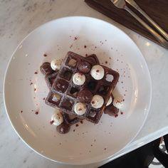 "@golfphlat on Instagram: ""#newcafeinBKK #cafehoppingBKK #sweet #myphoneEATsfirst #BKK #waffle"""