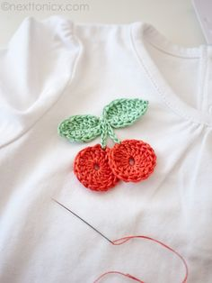 Crochet: Cherry - create a cute motif to decorate a shirt or bag with this tutorial from Next to Nicx #crochet #tutorial #cherry #fruit
