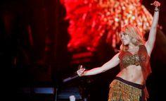 'contonear' y 'contornear' no significan lo mismo, advierte la Fundéu BBVA. Shakira se contonea, no contornea:  #Shakira