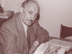 Simon Wiesenthal, the famous Nazi hunter, talks about Anne Frank and Karl Silberbauer.