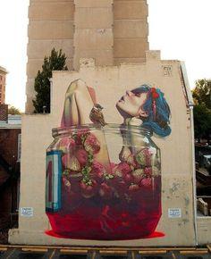 Etam Cru es un colectivo de artistas callejeros y diseñadores, de origen polaco compuesto por Sainer y Bezt. Sus murales a gran