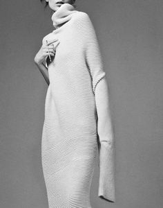 'If You Wear Your Heart On Your Sleeve Join The Club' Kati Nescher by Christian Macdonald for I-D Fall 2014 Look Fashion, Winter Fashion, Womens Fashion, Fashion Design, Fashion Trends, Fashion Art, Vogue, Knitwear Fashion, Minimal Fashion