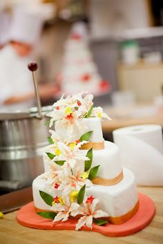 Students decorate cakes in Chef Cavotti's class at The Culinary Institute of America