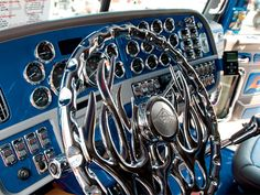 Custom Big Rig Truck Show 2007 Peterbilt Steering Wheel Large