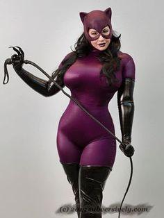 BelleChere Character: Catwoman - Jim Balent version Series: Catwoman  Debuted: Big Wow! ComicFest 2013  Photo Taken: Big Wow ComicFest 2013
