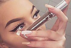 Eyebrow Shaping Pluck the Perfect Eyebrows Tanya Burr, Beauty Habits, Beauty Tips, Diy Beauty, Best Eyebrow Products, Beauty Products, Perfect Brows, Perfect Skin, Glitter Nail Polish