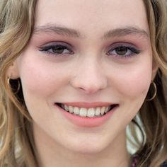 Lily Rose Depp's Makeup Photos & Products | Steal Her Style