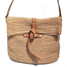 Carmen - knotted crossbody # 001 - Lilly is Love Crochet Handbags, Crochet Bags, Boho Jeans, Macrame Bag, Straw Tote, Jute Bags, Dolce & Gabbana, Vegetable Tanned Leather, Knitted Bags