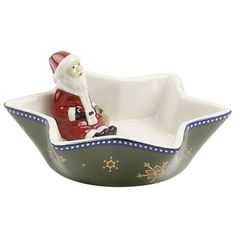 Villeroy & Boch Christmas Santa Bowl (186.350 IDR) ❤ liked on Polyvore featuring home, home decor, holiday decorations, star home decor, christmas bowl, porcelain bowl, christmas holiday decor and sauce bowl