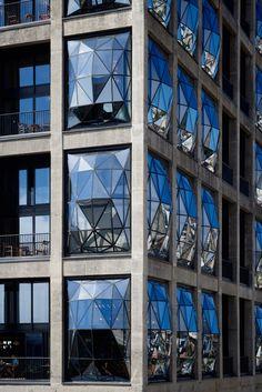 Thomas Heatherwick --> Luxury hotel inside converted grain silo in Cape Town Hotel Architecture, Amazing Architecture, Architecture Details, Parametric Architecture, Architecture Graphics, Futuristic Architecture, Thomas Heatherwick, Cape Town Hotels, Grain Silo