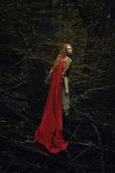 Little Red Riding Hood Fantasy Inspiration, Story Inspiration, Writing Inspiration, Character Inspiration, Fantasy Characters, Female Characters, Fantasy World, Fantasy Art, Fortes Fortuna Adiuvat