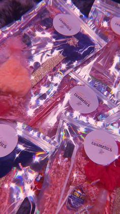 Lip Gloss Homemade, Diy Lip Gloss, Lip Gloss Set, Diy Gifts To Sell, Gloss Labial, Business Inspiration, Business Ideas, Business Baby, Lipgloss