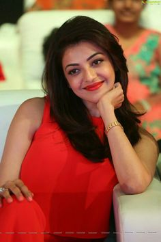 Kajal Aggarwal Looks Super Sexy In Red Dress At Telugu Film 'Oopiri' Audio Launch Event South Actress, South Indian Actress, Beautiful Indian Actress, Beautiful Actresses, Cute Beauty, Beauty Full Girl, Indian Film Actress, Indian Actresses, Whatsapp Videos