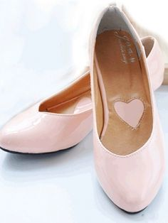Cute flats but would have them in another color
