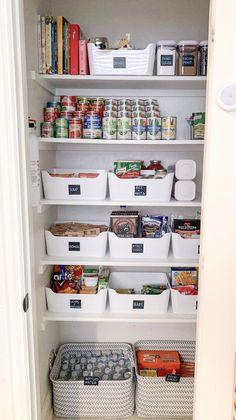 Pantry-Organisation My virtual customer killed it! 🙌🏼 Source by christopheberl The post Pantry-Organization appeared first on My Kitchen Decora Small Pantry Organization, Home Organisation, Organize Small Pantry, Small Pantry Closet, Organized Pantry, Pantry Ideas, Toiletry Organization, Organization Ideas For The Home, Ikea Pantry