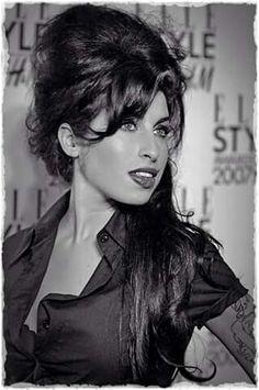 Amy Winehouse                                                                                                                                                     Plus